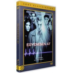 DVD Egyenesen át